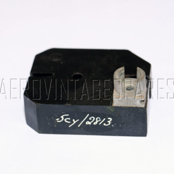 5CY/2813 - Block Mounting, Ex mod Military electrical spares and aircraft Spare parts